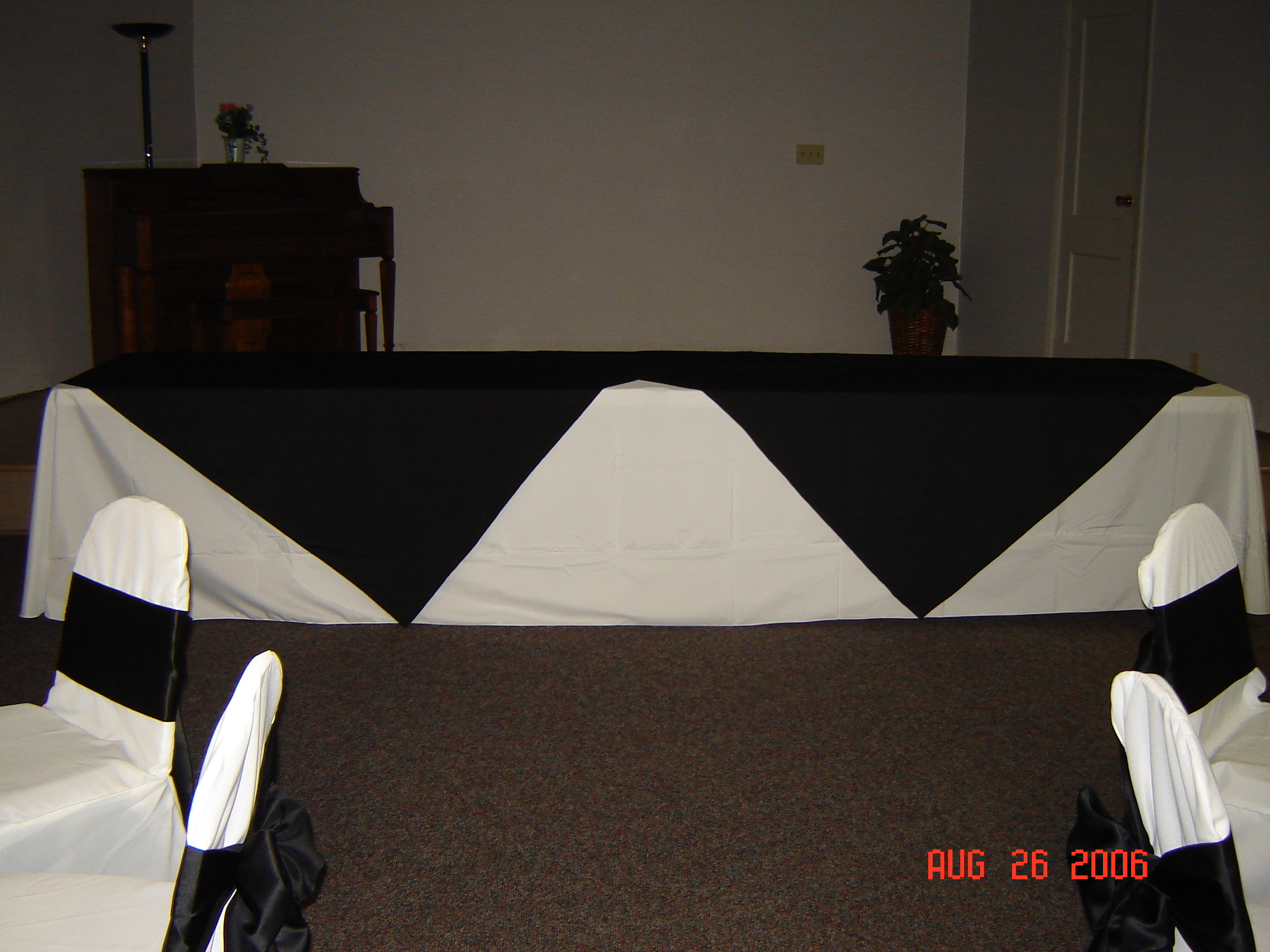 Simply Elegant Weddings Polyester Linens Linen Rentals