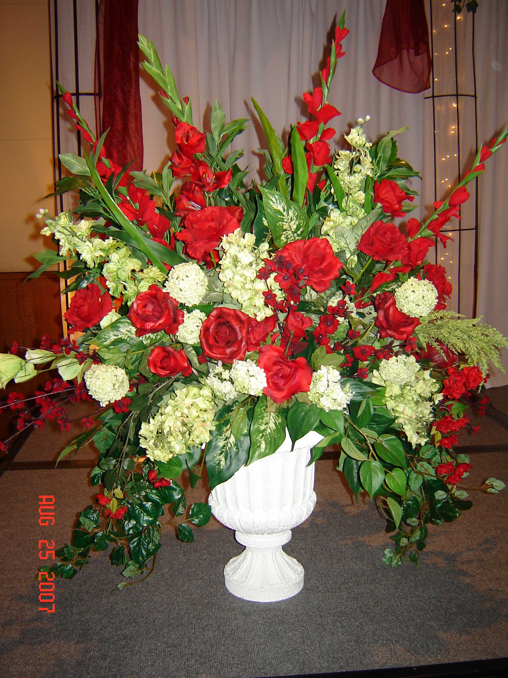 Simply elegant weddings flower arrangements mightylinksfo Image collections